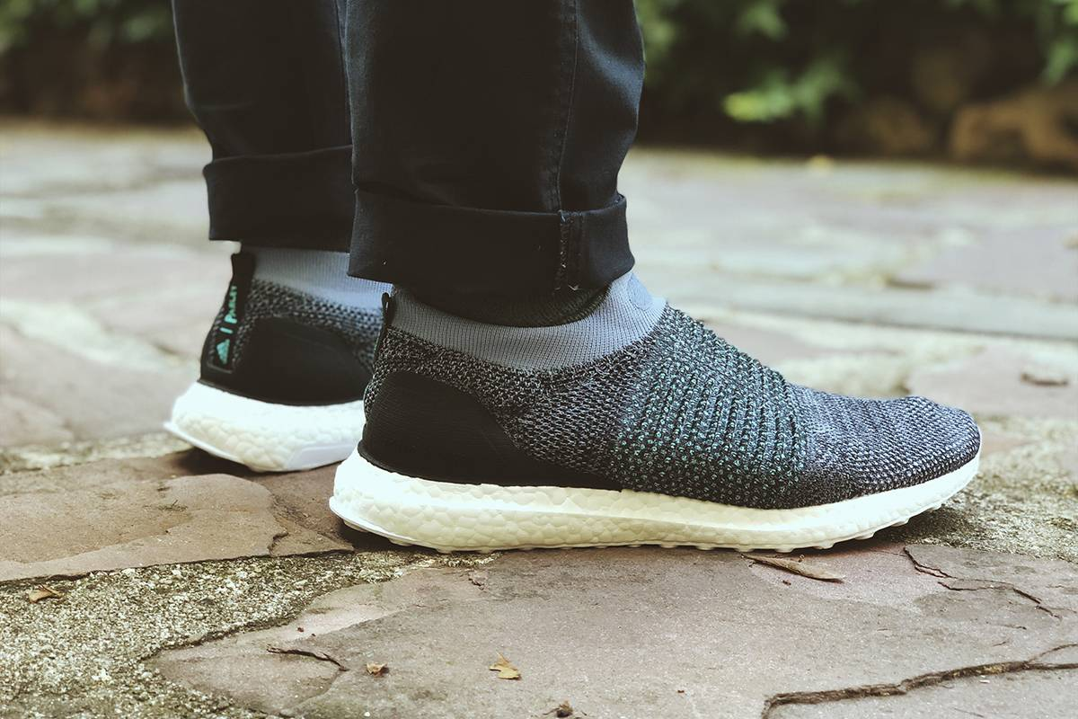 adidas ultra boost laceless x Parley
