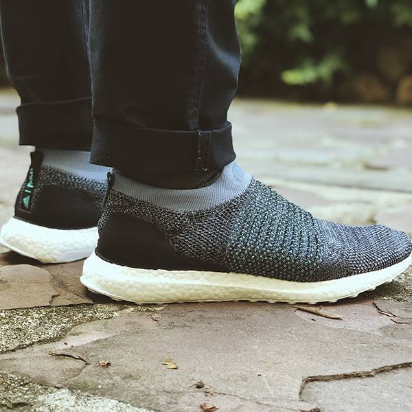 adidas ultra boost laceless parley